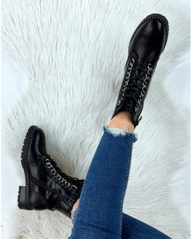 BOTTINES CHARLY NOIRES AVEC CHAINES